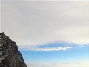 云雾缭绕神农顶