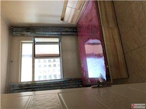 出租凯旋城小区120平,三室两厅一卫