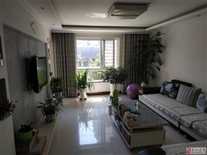 急售阳光城133平三室两厅两卫仅售108万,带车位,豪华装修,完美户型,都能看好的大房子,价钱可议,