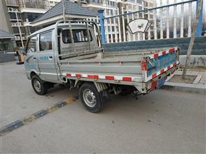 黑豹双排柴油小货车