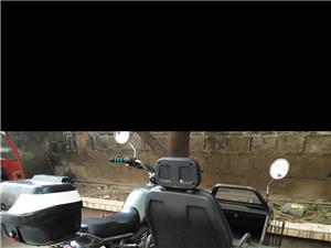 侧三轮摩托车