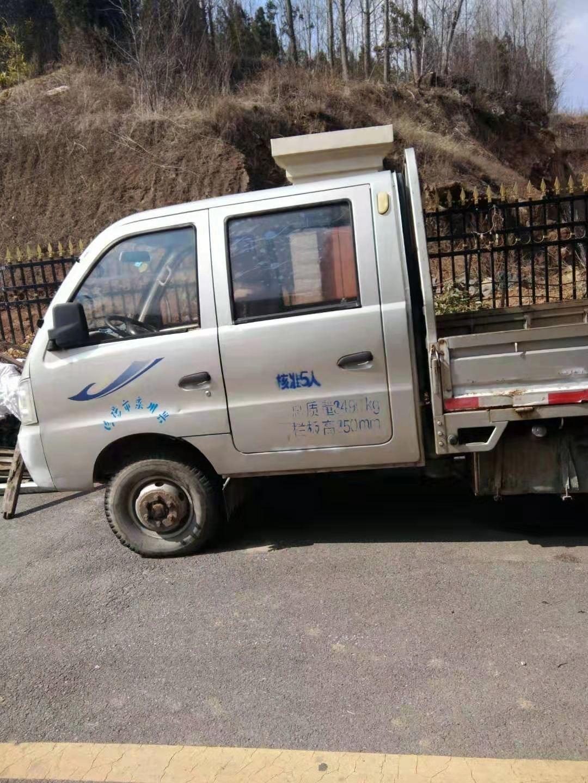 急出售一零年黑豹雙排座小貨車一輛