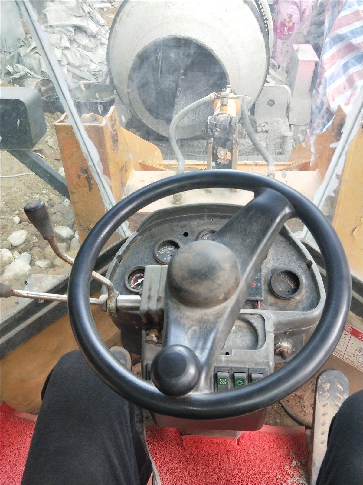 四缸928铲车,