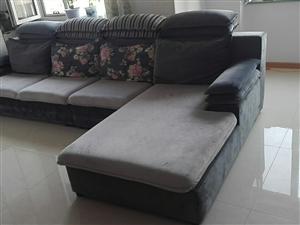 布艺沙发,家里想换皮沙发低价转让3.8米布艺沙发一套,用了1年多保持的很好,有需要的朋友电话联系。