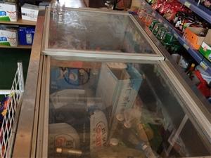 出售大型冰箱,98新,有意者电联
