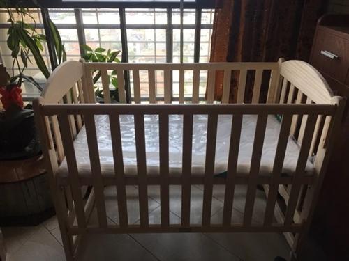 好孩子嬰兒床,買來花了899, 現450出!寶寶出生到現在一直睡大床 ,一次也沒睡過!床墊的塑料紙都...