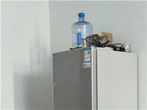 用了一年,換地方帶不走,冰箱洗衣機兩件。500塊錢,需要聯系。18054621031