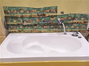 低价处理货柜,游泳池,洗澡盆