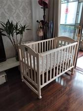 好孩子婴儿床,买来花了899,现300出!宝宝出生到现在一直睡大床,一次也没睡过!床垫的塑料纸都没拆...