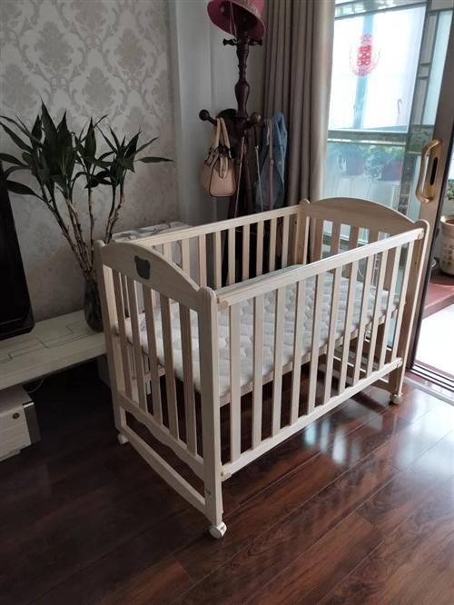 好孩子嬰兒床,買來花了899,現300出!寶寶出生到現在一直睡大床,一次也沒睡過!床墊的塑料紙都沒拆...