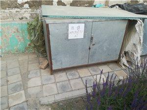 铁皮柜子两个!足浴盆两低价出售13830778778