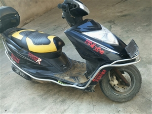 YAMAHA125踏板摩托车,八层新,价格美丽,联系我:13083348388.