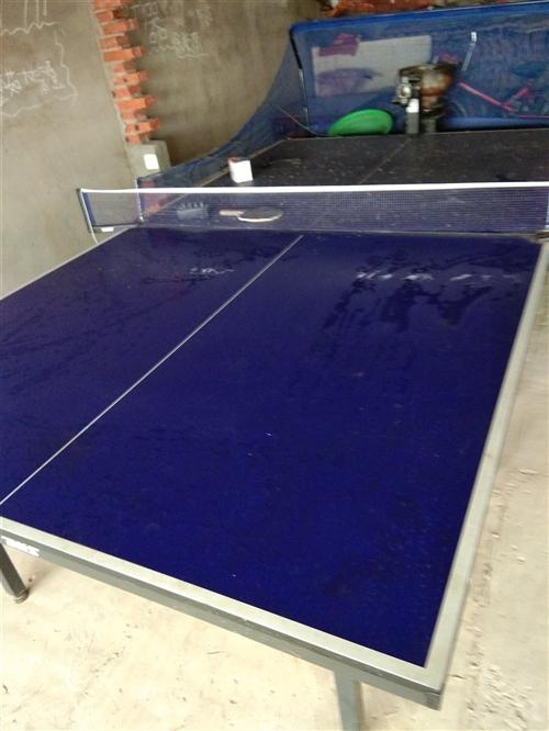 九成新的红双喜乒乓球桌由于没有地方放,所以贱卖!!