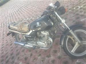 闲置摩托车一辆,性能可靠,马力大,油刹车,新电瓶,价格可以面议18504932896