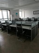 40套办公卡座/办公椅, 老板桌,会议桌低价转让。八成新以上