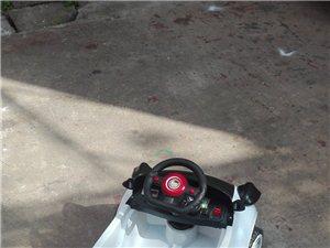 小朋友可以坐的电动玩具车。九成新没有怎么玩?