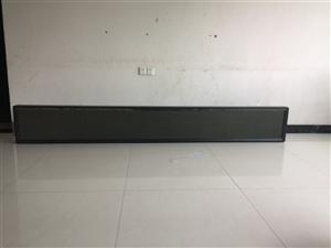 由于要搬家,有一台LEd显示屏低价销售,显示屏有3米长……可以放在店面门上面打广告宣传!