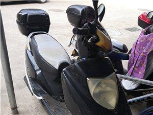 便宜出一台二手摩托车,没牌的,有需要的联系