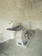 磨粉机  花生秧 玉米 小麦等都可粉碎