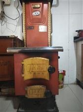 因房屋拆迁,现将家中八成新采暖锅炉转让,暖气片五组,82柱,可随时看货。天气转冷,有需要请联系我!!...