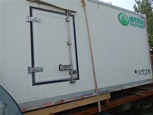 4.2米冷藏车车厢,4.2*1.9*2.1*美国凯利压缩机,三相电,插上就能用,便宜处理,5000元...