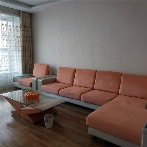 沙发带茶几1500元出售,适合出租房使用。有意购买者请与17709372271联系。