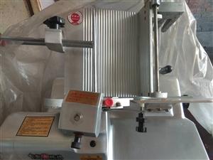 切片机,中型,时切肉卷60斤,功率1.1千瓦。用了将近两年。因工作调动,不干了。3000元可小议。地...