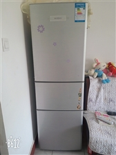 美的三开门冰箱用了三年多,工作调动现处理,看上的联系我,森林公园往北走胜利小区斜对面顺丰快递道道里面...