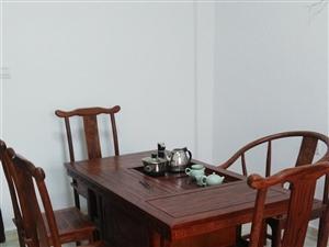 9成新茶几一套,五把椅子