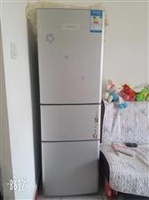 美的冰箱三开门,需急处理