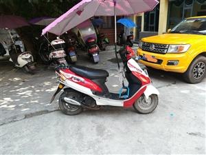 出售二手踏板摩托车,小巧好操控,排量小省油,适合上下班代步