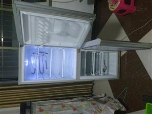 出售二手冰箱自己�砝�  ��18385749713