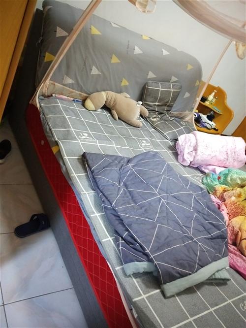 全布藝2×2.2的大床!9層新以上   買了不到半年    絕對舒服    出售地址  馬莊