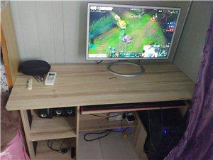 刚买的电脑桌  低价出售。29号回家了  需要什么都可以联系