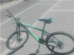 山地自行车,放着占地下室孩子骑了的。