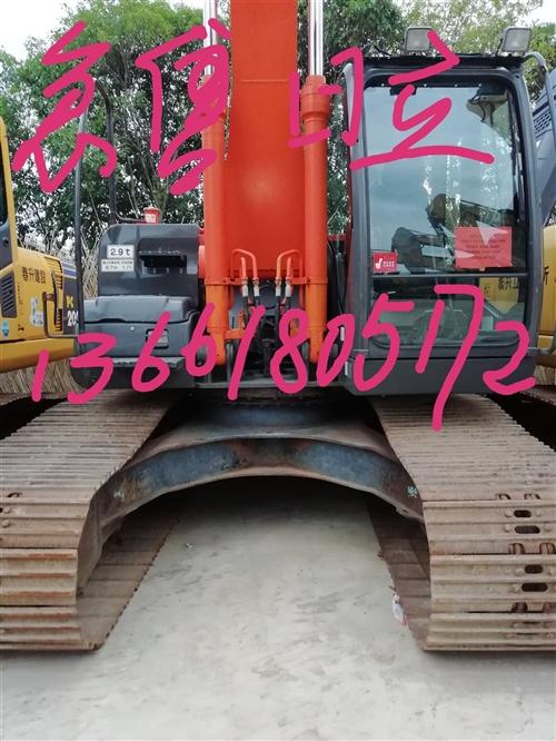 日立200-3自用挖掘机,纯日本种,手续齐全。干活杠杠的。无漏油,需要来电咨询。或?#28216;?#20449;。