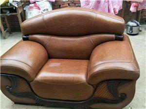 家中闲置沙发一套,1   2   3   九成新低价处理有意者联系15762627788《价格可议》