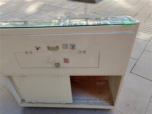 烟柜,拉手位置有不好,细看,要的联系
