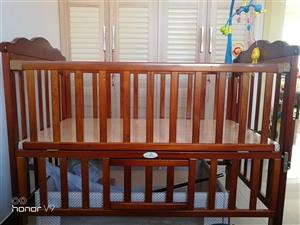 实木婴儿床用了4个月质量好9成新,价格面议
