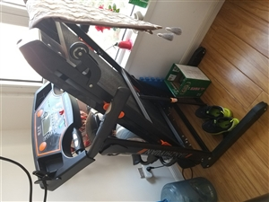 家用跑步机八成新转让,三百卖了(自提)