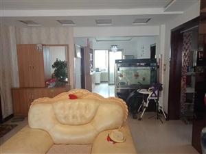 恒安嘉苑房屋出售,120平米,三室两厅一卫,四十六万八,低价出售