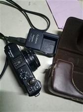 松下DMC-LX3微单相机??,功能可以自己上网查一下,九成新,带充电器,一块原装电池和一个内存。
