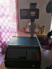 出售九成新电子秤,用了四个月,带钱箱。
