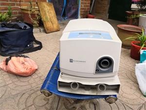 美国进口呼吸机,现在放家中用不着了,原价18000元,此机器在呼吸有障碍、打呼噜有很好帮助,有需要的...