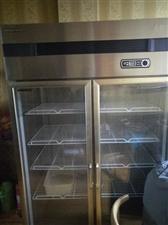 出售冰柜一个和一个展示柜 冰柜价格400。展示柜价格1500