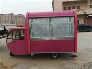 九成新移动餐车上路两个月特别适合想创业的年轻人车内带四个功能可做烧烤鸡蛋灌饼煎饼一个保温盒只用过一个...