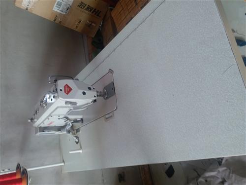 出售品牌缝纫机四台(电脑控制四自动,新款耐用)由于身体原因就使用了三个月给它们找新主人,有意者随时电...