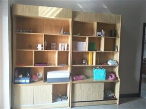 木质柜子,可用于商店,网吧,美容店,理发店等各种场所来展示物品,便宜处理