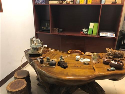 黄金樟茶桌,带五个凳子,因转行用不到了出售