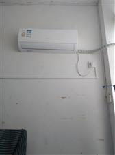 格力1.5L变频空调,7月初购于百姓家电,购置费3400元,现因工作原因出售。只要3000元。联系电...